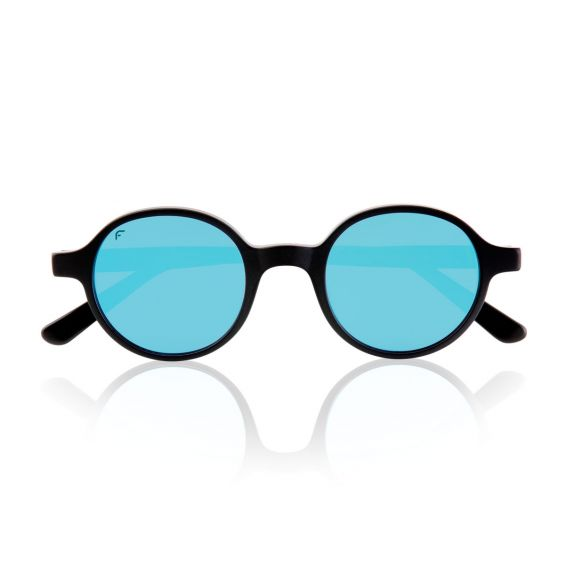 Runaway with blue polarized lenses